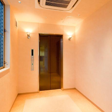 写真:エレベーター