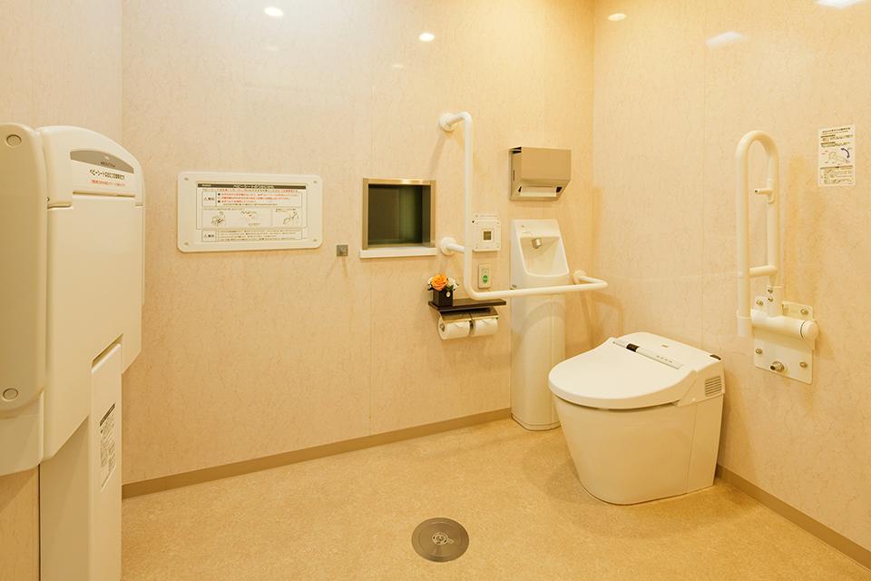 写真:多機能トイレ
